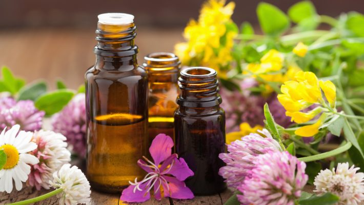 7 Essential Oils to Energize and Calm